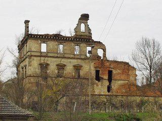 Ruiny zamku w Ujeździe.jpeg