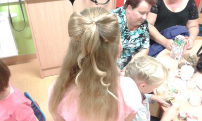 Uczesanie profesjonalisty - kokarda z włosów