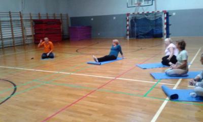 Uczestnicy na zajęciach jogi
