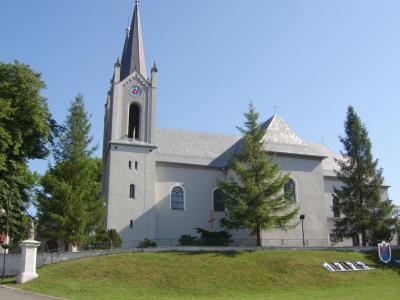 Kościół po malowaniu w Nogowczycach
