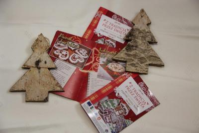 Publikacje z tradycją przez święta wydana przez Gminny Ośrodek Kultury Gogolin