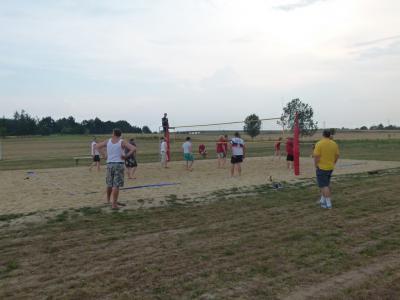 Wykonanie boiska  do siatkówki plażowej w Dąbrówce Górnej
