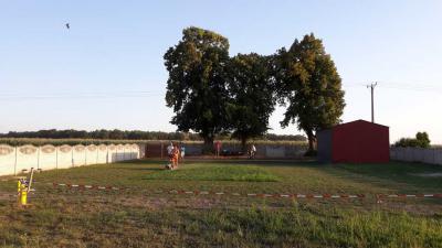 Galeria Przygotowanie boiska do piłki nożnej w Dobieszowicach