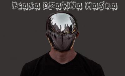 Biała czarna maska.jpeg